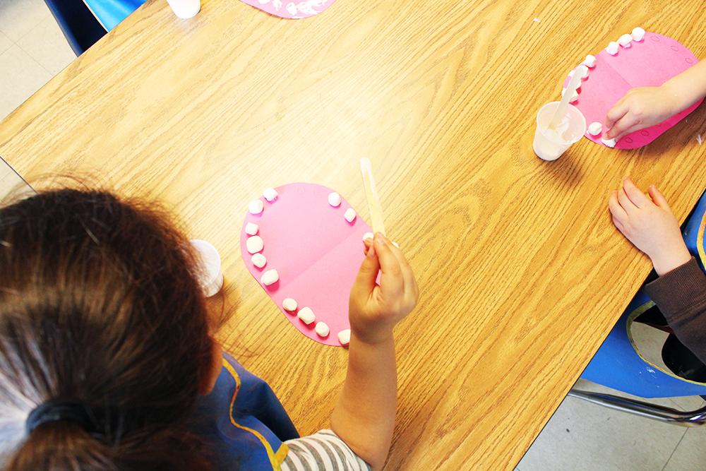 1-CNS-art-project-marshmellow-teeth
